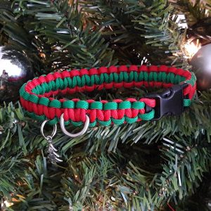 Festive paracord dog collar red and green