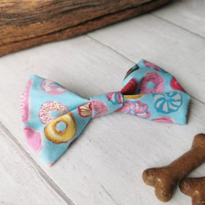 Sweet things dog bow tie